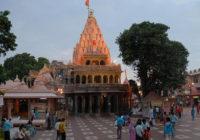 महाकाल मंदिर में जगह-जगह तारों का जाल