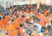 तय दिन नहीं होने के बाद भी कांवडिय़ों की मांग पर मंदिर प्रशासन ने दिया प्रवेश