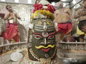 महाकाल मंदिर में महाशिवरात्रि:उज्जैन के महाकाल मंदिर में बाबा महाकाल का दिव्य श्रृंगार के बाद हुई भस्मारती