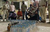 उज्जैन पुलिस ने 612 क्वार्टर अवैध शराब पकड़ी